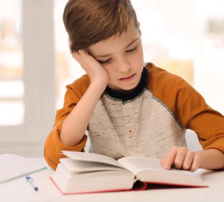 «Μαμά, γιατί να μάθω Ιστορία;»: 4 καλοί λόγοι που θα πείσουν το παιδί να διαβάσει