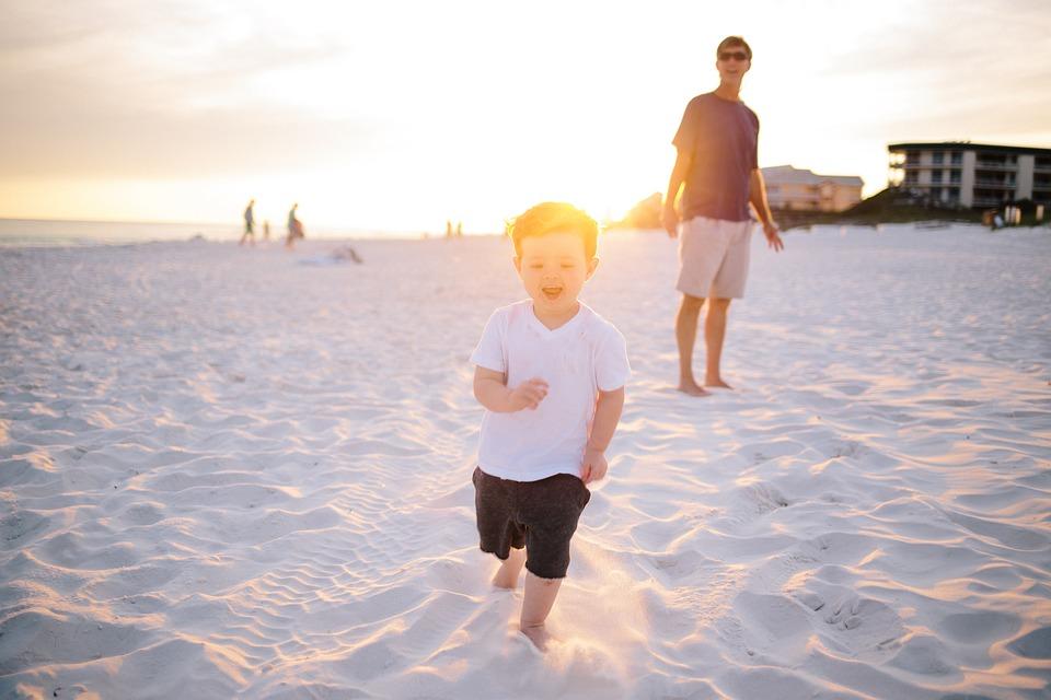 Φέτος, το καλοκαίρι το παιδί σας θα χαρεί τον ήλιο και τη θάλασσα με ασφάλεια!