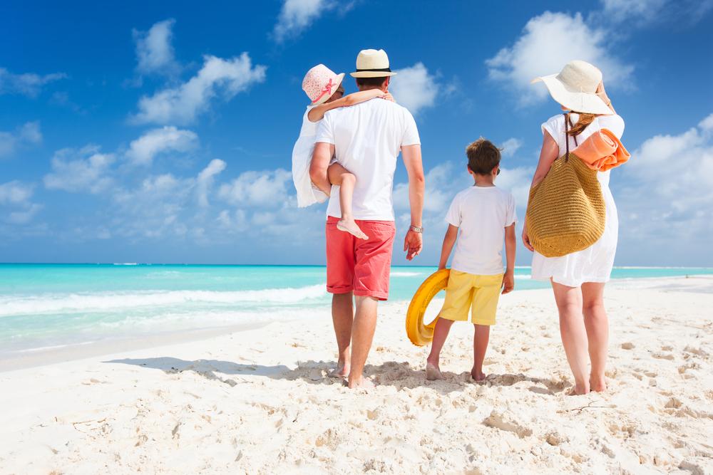 Ετοιμάζεστε για οικογενειακές καλοκαιρινές διακοπές; Δείτε τι πρέπει να προσέξετε για να μην σας συμβούν παρατράγουδα