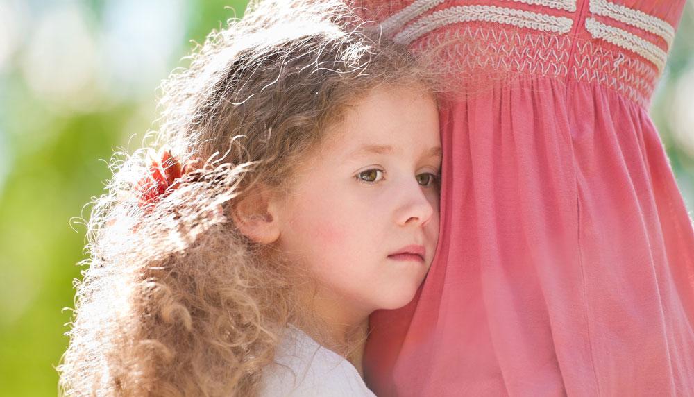 «Η 4,5 ετών κόρη μου έχει τρομερό άγχος εγκατάλειψης. Τι πρέπει να κάνω;»