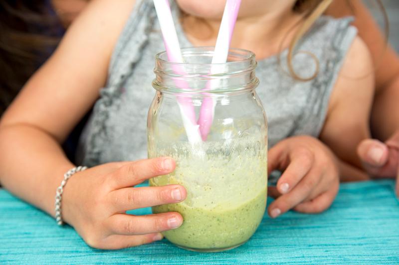 3 εύκολες και δροσιστικές συνταγές με φρούτα που θα λατρέψουν τα παιδιά