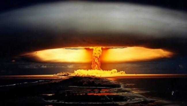 Το βομβαρδιστικό «Enola Gay» ρίχνει την πρώτη ατομική βόμβα μια μέρα σαν και σήμερα το 1945