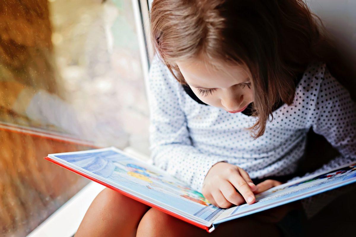 Παγκόσμια Ημέρα Παιδικού Βιβλίου: Το Μουσείο Παραμυθιού γιορτάζει με διαδικτυακό μαραθώνιο ανάγνωσης