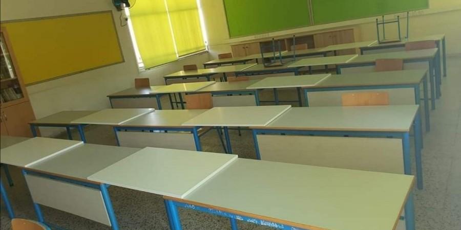 Δυσκολίες στην προμήθεια μονοθέσιων θρανίων αντιμετωπίζει το Υπουργείο Παιδείας