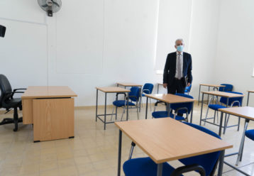 Πυρετώδεις προετοιμασίες για τη νέα σχολική χρονιά - Περιμένουν για το SafePass