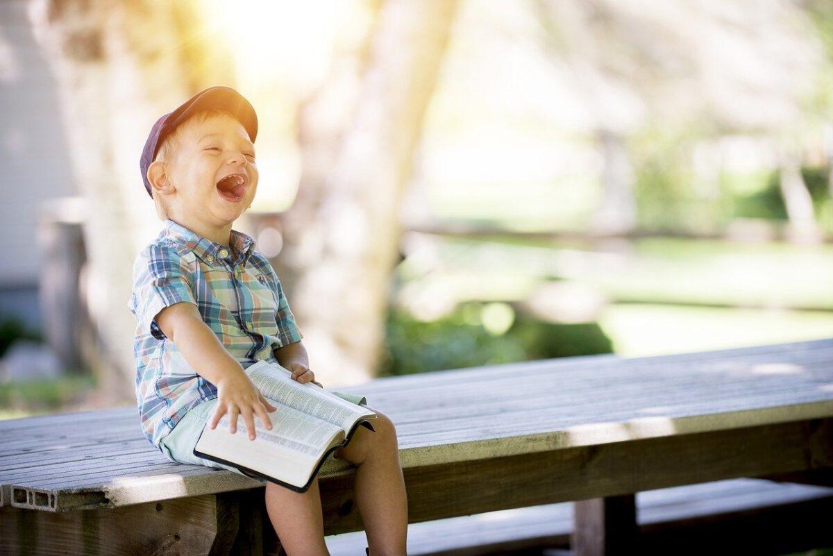 Ομιλία παιδιού: Ποιες βασικές δεξιότητες πρέπει να αναπτύξει το παιδί προτού μιλήσει