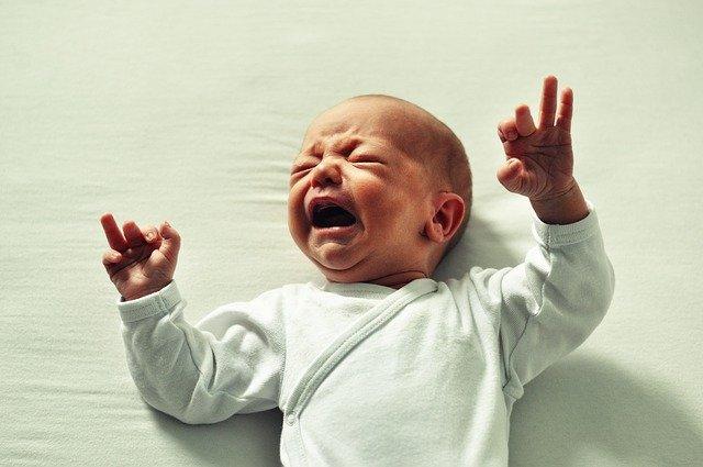 Ποτέ μην αγνοείς ένα μωρό που κλαίει – 5 σοβαρές επιπτώσεις που μπορεί να έχει αυτό στην υγεία του