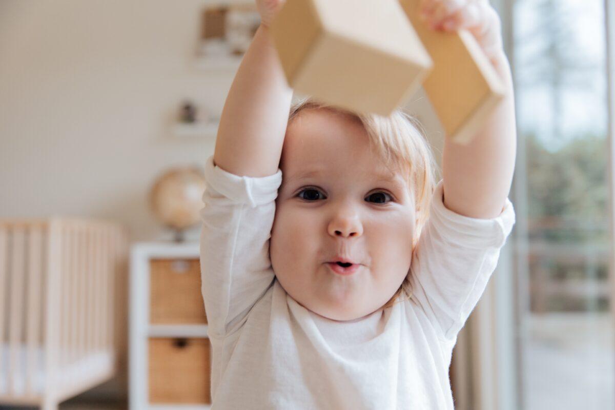 Χειρονομίες: Tı θέλει να μας πει το παιδί πριν σχηματίσει τις πρώτες του λεξούλες;