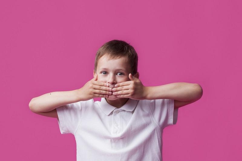 Τι είναι η απραξία λόγου στα παιδιά και πώς θα αναγνωρίσουμε τα συμπτώματα