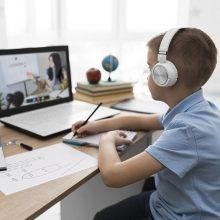 Πώς θα αποφευχθεί η τηλεκπαίδευση σε περίπτωση νέου κύματος, σύμφωνα με τον ΠΟΥ