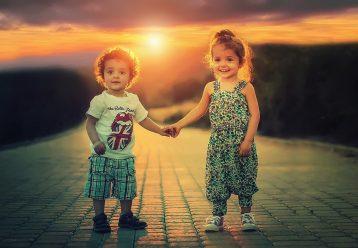 Τα παιδιά χρειάζονται αγάπη, σεβασμό και να νιώθουν ελεύθερα να γίνονται ο εαυτός τους