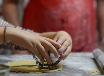 6 καλοκαιρινές δραστηριότητες που «σκοτώνουν» τη βαρεμάρα των παιδιών