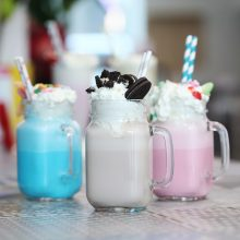 6 απολαυστικά καλοκαιρινά milkshake που θα ξετρελάνουν τα παιδιά