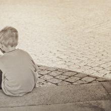 Τα θυμωμένα παιδιά θέλουν πιο πολλή αγάπη και χρόνο. Ψάχνουν το μέσα τους που πονάει