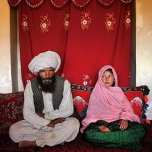 Η φωτογραφία - γροθιά του 11χρονου κοριτσιού με τον 40άρη μέλλοντα σύζυγό της