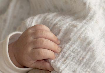 Γονείς - τέρατα σκότωσαν το 10 ημερών μωρό τους και είπαν πως έφταιγε... η γάτα!