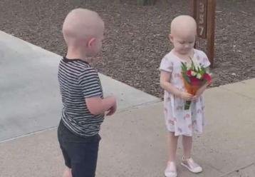 3χρονα φιλαράκια που νίκησαν τον καρκίνο συναντιούνται ξανά