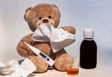 Η παιδίατρος προειδοποιεί: 4 SOS οδηγίες αν νοσήσει με κορωνοϊό το παιδί σας