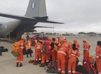 «Ό,τι μπορούμε να κάνουμε για την μητέρα πατρίδα»: Συγκινεί Κύπριος πυροσβέστης στην Βαρυμπόμπη