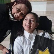 «Σήμερα γραφτήκαμε στο γυμνάσιο, αλλά δεν είμαστε χαρούμενες»: Συγκινεί η μαμά 14χρονης με ιχθύωση