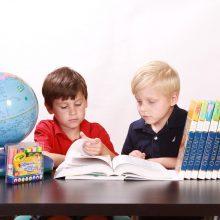 «Μαμά, δεν μπορώ να το μάθω»: Έξυπνα tips για να μάθουν τα παιδιά το μάθημα «νεράκι»