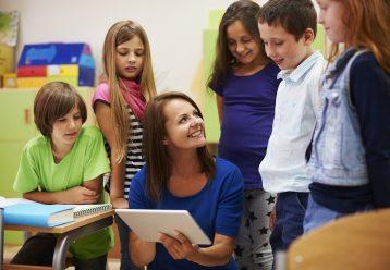«Χαλαρή Παρασκευή»: Η πρακτική μίας εκπαιδευτικού που αξίζει να τη μιμηθούν όλοι οι δάσκαλοι