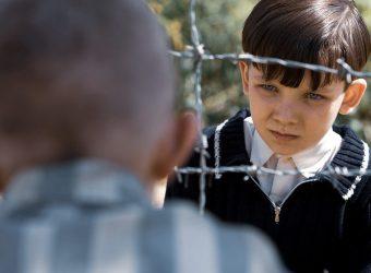 «Το αγόρι πίσω από το συρματόπλεγμα»: Ένας ύμνος στην αθώα, παιδική φιλία που δεν γνωρίζει σύνορα