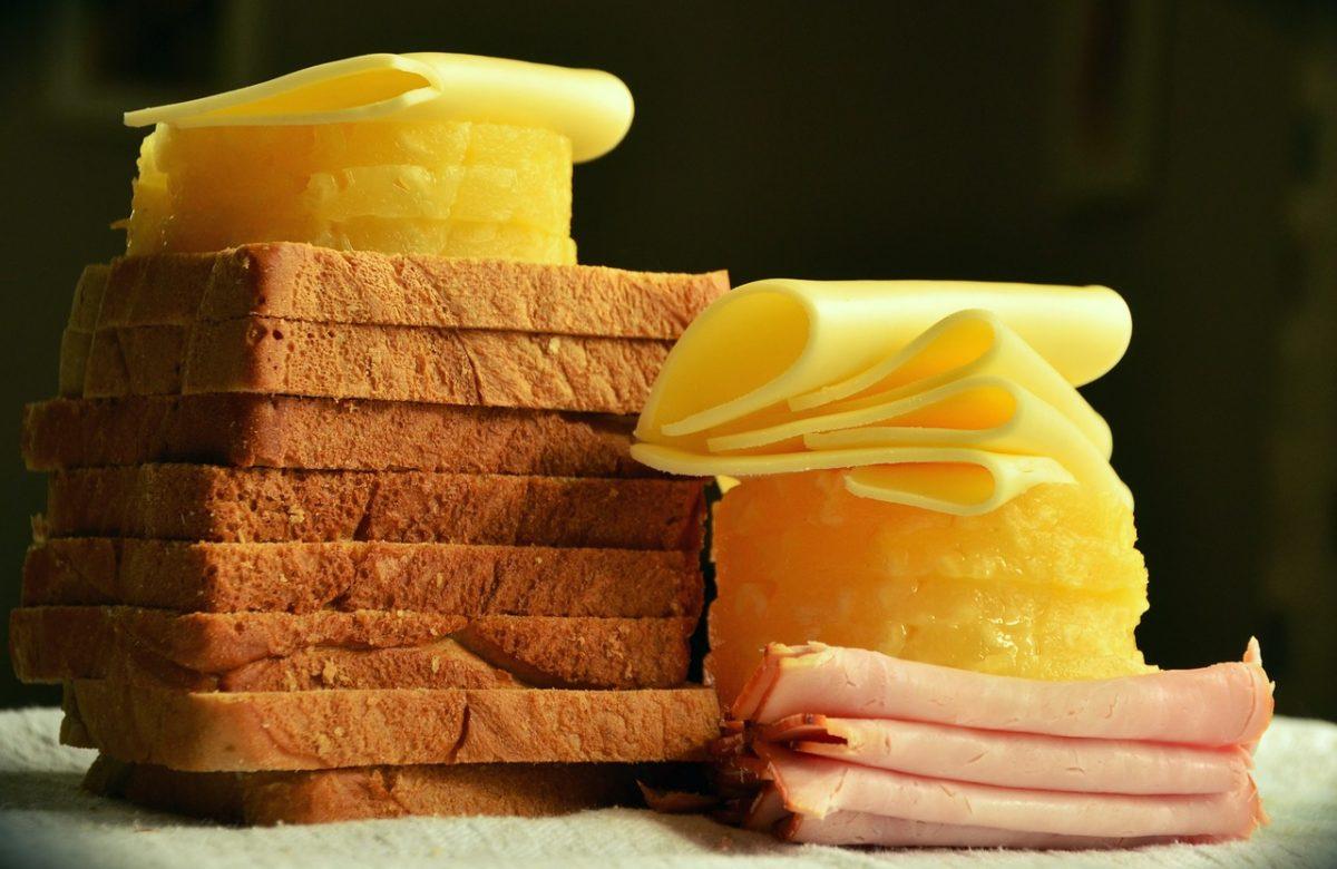 Φτιάξτε το καλύτερο σπιτικό ψωμί του τοστ για το κολατσιό των παιδιών
