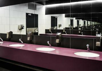 Πόσο εύκολα μπορούμε να κολλήσουμε κορωνοϊό σε κοινόχρηστη τουαλέτα;