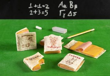 Παιδικές τορτίγιες-βιβλία: Η πιο απίστευτη συνταγή για σνακ από τον Άκη Πετρετζίκη