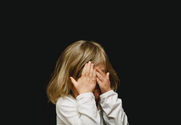 9 ψυχολογικά προβλήματα των παιδιών που συνδέονται με τη συμπεριφορά των γονιών