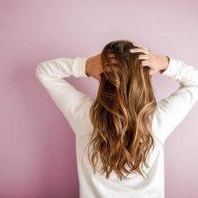 5 έξυπνα κόλπα για να κάνετε τα μαλλιά σας να μακρύνουν πιο γρήγορα