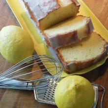 Κέικ λεμονιού με γιαούρτι και γλάσο: Ιδανικό για το σχολείο και το γραφείο