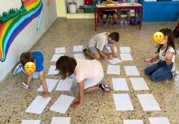 Όταν το βιβλίο δεν βοηθά, αναλαμβάνει το παιχνίδι: Δείτε πώς δίδαξε μαθηματικά αυτός ο δάσκαλος
