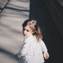 «Όχι, παππού, δεν θα παίζεις μαζί της όπως θέλεις!»: Μια διδακτική αληθινή ιστορία για την ασφάλεια των παιδιών μας