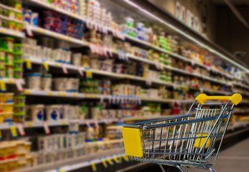 Έρχονται αυξήσεις σε βασικά αγαθά - Πόσο θα κοστίζει το ψωμί και το γάλα