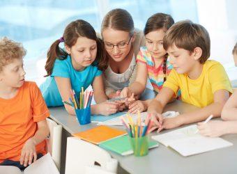Το να είσαι καλός δάσκαλος και να αγαπάς τα παιδιά του κόσμου είναι ό,τι πιο μεγαλειώδες